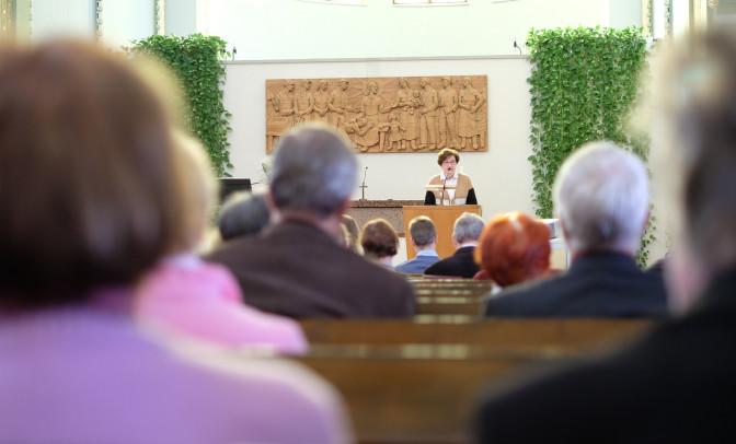 """Kirkkokansan raamattupäivä: """"Evankeliumi on kaiken ydin."""""""