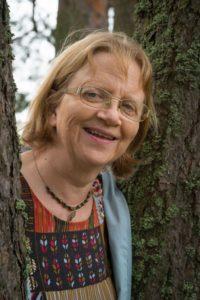 Mirjami Uusitalo kokee olevansa omalla paikallaan raamatunkäännöstyössä.