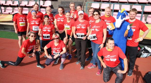 Kuvassa vuoden 2018 juoksuhaasteen juoksijoita eri lähetysjärjestöistä ja seurakunnista.