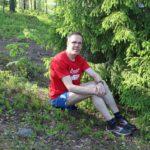 Kuvassa Jouko Partanen kalliolla