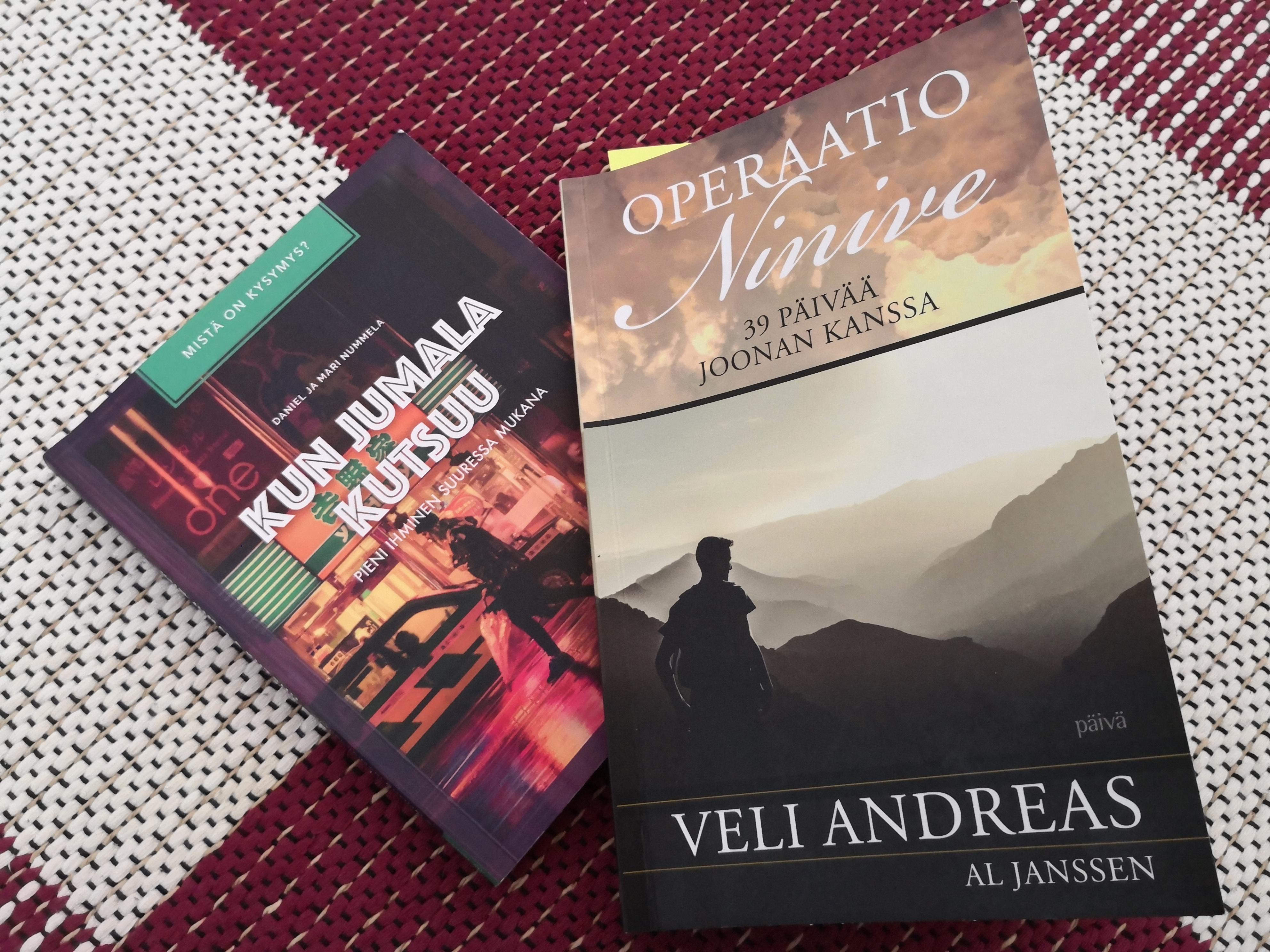 Kaksi lähetysaiheista kirjaa, Kun Jumala kutsuu ja Operaatio Ninive