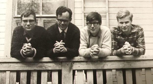 Vuoden 1969 teologisen linjan opiskelijoitaHarri Eronen, Pekka Rantavaara, Sakari Valkama ja Seppo Vänskä