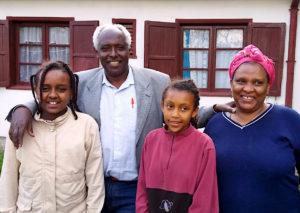 Pastori Bulti perheensä kanssa.