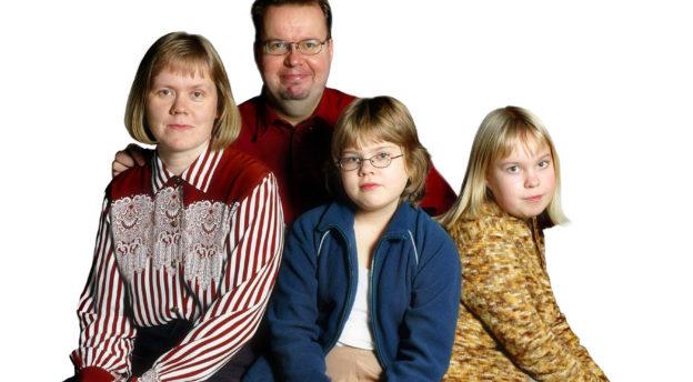 Tuovisen perhe vuonna 2004. Kuva: Philippe Gueissaz