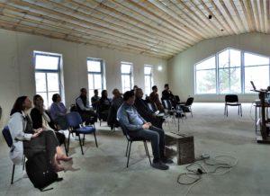 Laurikkala-konferenssi Kelton Teologisen Instituutin keskeneräisessä Leino-salissa 10.5.2021. Kuva: Veronika Pogasi