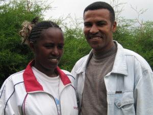 Alemayehu ja hänen vaimonsa Misrak vuonna 2005, jolloin Alemayehu oli opiskelemassa seminaarissa. Kuva: Aki Tuppurainen